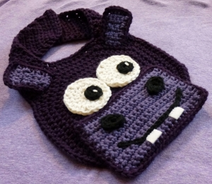 Hippo Drool Spit Bib crochet pattern by Darleen Hopkins