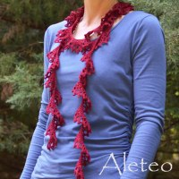 crochet-pattern-Aleteo-Scarf-shown-in-KnitPicks-Lindy-Chain-square