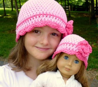 Crochet Flapper Hat by Darleen Hopkins http://www.ravelry.com/patterns/library/waiting-for-spring-flapper-hat-with-rose