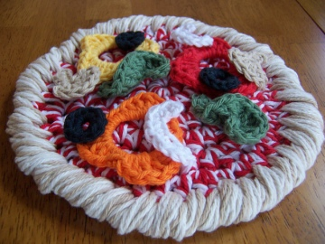 Pizza! Pizza!  Hot Pad Crochet Pattern by Darleen Hopkins