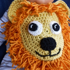 Lion drool bib crochet pattern by Darleen Hopkins