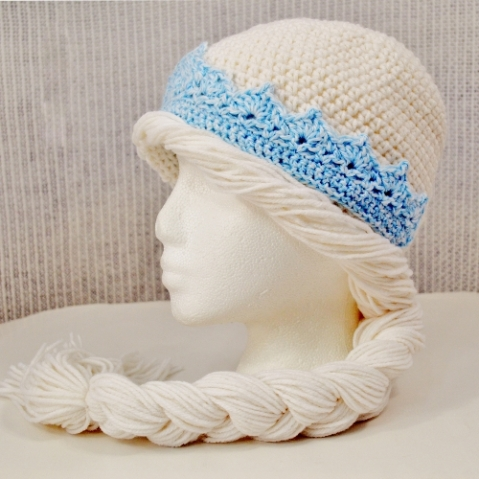 Elsa Frozen hat crocheted by Darleen Hopkins https://crochetbydarleenhopkins.com/patterns/