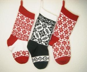 Endless Roses Christmas Stocking knitting pattern set by Denise Balvanz