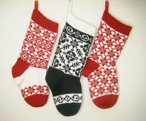 Endless Roses Christmas Stocking knitting pattern set by Denise Balvanz