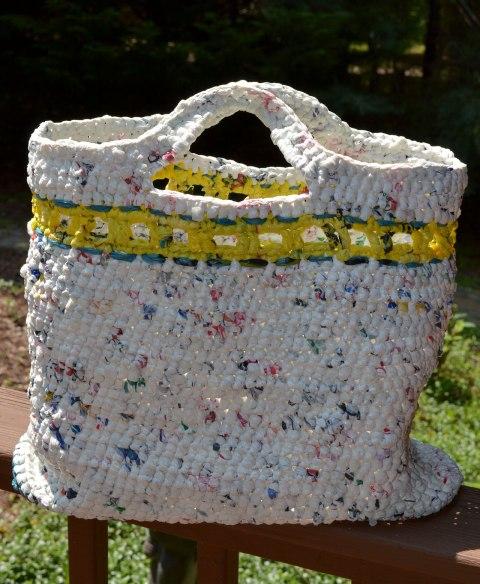 Plarn-Crocheted-Bag-Plastic-Bag-Upcycle