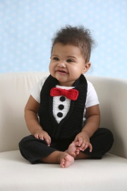Tuxedo Bib crochet pattern by Darleen Hopkins #CbyDH, photo by ILikeCrochet.com
