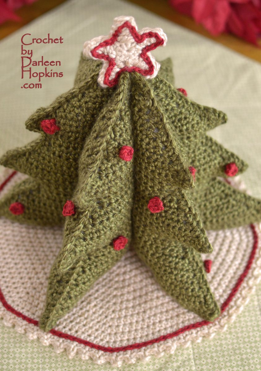 Festive Christmas tree crochet pattern by Darleen Hopkins #CbyDH