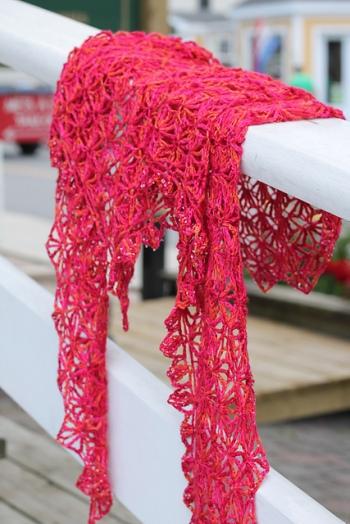 Sorbet shawl pattern by ACCROchet