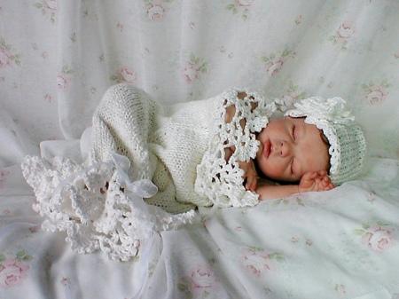 Snowbaby crochet pattern by Betty Fay Wallace