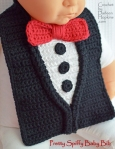 crochet baby bib pattern, tuxedo, by Darleen Hopkins #CbyDH