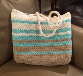 Modern Tote bag crocheted by Sharon, crochet pattern by Darleen Hopkins #CbyDH