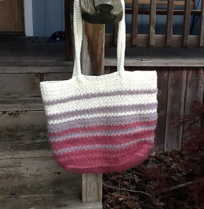 Modern Tote bag crocheted by Gina, Crochet Pattern by Darleen Hopkins #CbyDH