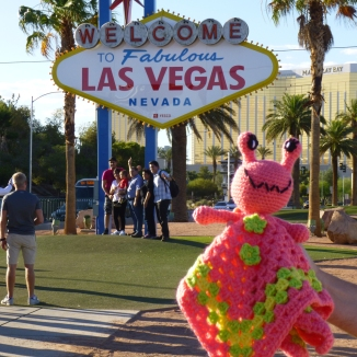 annie-the-alien-in-las-vegas