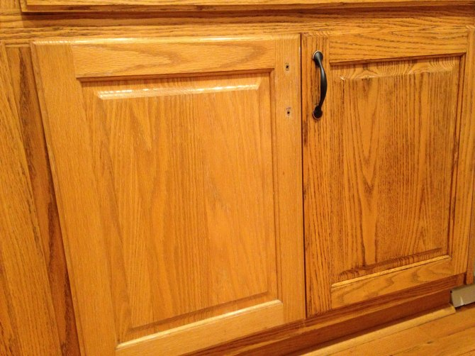 using Briwax to darken and refinish oak cabinets